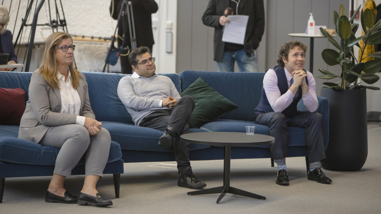 Huge excitement prior to the announcement. Umeå University had organised a Nobel event for media and staff. On the sofa are Katrine Riklund, Pro-Vice-Chancellor, David Cisneros, postdoctoral fellow and senior research assistant, MIMS, and Erik Campano, doctoral student at the Department of Informatics.