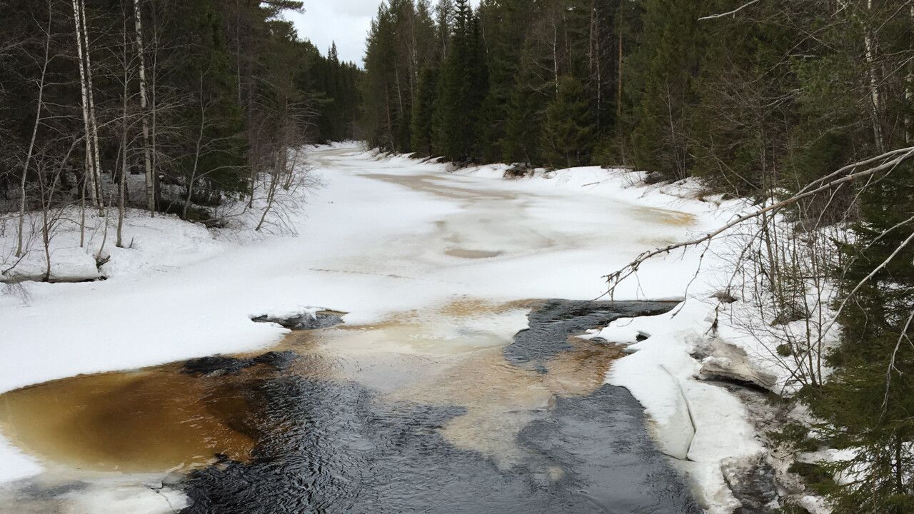 Seismic signals allow researchers to see under river ice